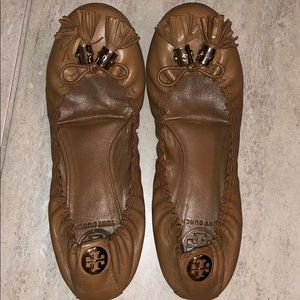 Tory Burch Shoes - Tory Burch Camel Tassel Round Toe Shoes Sz 7.5